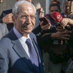 Tunus'un geçici Cumhurbaşkanı yemin ederek görevine başladı!