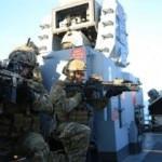 SAT'lar bölgede! Türk savaş gemileri kalkan oluşturdu