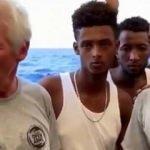 Richard Gere göçmen gemisinde