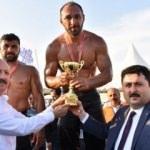 Altıeylül'de başpehlivan Ali Gürbüz!