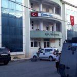 Kulp'taki HDP İlçe Başkanlığı binasında arama yapıldı