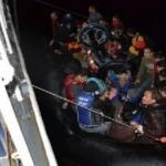 Lastik bottaki 42 göçmen kurtarıldı