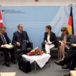 Bakan Akar'dan NATO toplantısında diplomasi trafiği
