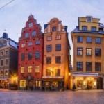 Stockholm'de Stortorget Meydanı, Demirbaş Şarlken Anıtı ve Gustav Vasa
