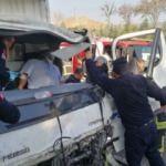Kamyonet, turist taşıyan midibüse çarptı: 5 yaralı