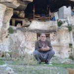 66 yaşındaki adam 22 yıldır mağarada yaşıyor!
