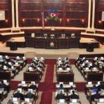 Azerbaycan'da iktidar partisi YAP parlamentonun feshi için başvurdu