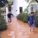 Datça'da yağmur; evine kayıkla girebildi