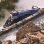 İstanbul'da otomobil sulama kanalına düştü