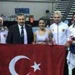 Kick Boksçu Emine Arslan, sözünü tutarak dünya şampiyonu oldu