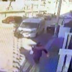 9 yaşındaki çocuk ölümden döndü! Servis aracı altında kaldı