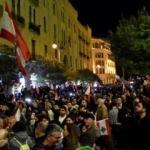 Beyrut'ta binlerce kişi meclise yürüdü, polis müdahale etti