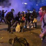 Barselona'da 'El Clasico' olayları: Ortalık savaş alanına döndü