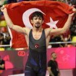 Türk güreşçiye büyük onur