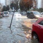 İzmir'de yine aynı manzara! Hayat felç oldu