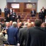 Milletvekilleri mecliste tartıştı!