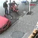 Şaha kalkan motosikletin ortalığı birbirine kattığı anlar kamerada!