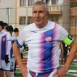 71 yaşındaki futbolcu transfer oldu