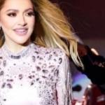 Ünlü şarkıcı Hadise elbisesiyle büyük beğeni topladı
