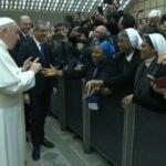 Papa'ya ırkçılık eleştirisi! Siyahi rahibeye söyledikleri çok tartışıldı