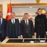 AK Parti Genel Başkan Yardımcısı Karaaslan belediye başkanları ile buluştu