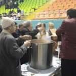 Spor salonlarında depremzedelere hizmet verildi