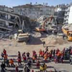 'Deprem sonrası patlayan kanalizasyon boruları'