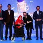 2. Engelsiz Mikrofon Radyo Ödülleri'nden Talha Bora Öge'ye ödül