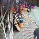 Sarıyer'de 3 halk otobüsü ve motosikletin karıştığı feci kaza kamerada