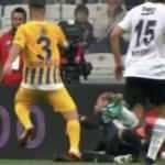 Beşiktaş maçında penaltı tartışması! 'VAR detaylı baksa penaltı'