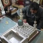 28 bin sedef parçasından Mescid-i Nebevi maketi yaptı