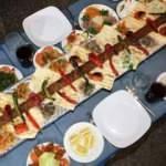 Farklı sunumuyla damak çatlatan lezzet: Metrelik Adana kebabı