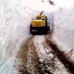 Pütürge'de kar kalınlığı 4 metreyi aştı