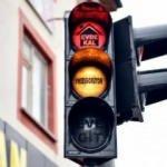 Elbistan'da trafik ışıklarıyla mesaj: 'neeşgörüyon'