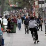 İzmirliler evde kal çağrısını dinlemedi: Kentin en işlek caddesi hıncahınç dolu!