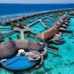 Maldivler'de kapısı uçsuz bucaksız denize açılan villa tarzı oteller