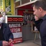 Sokağa çıkan yaşlı vatandaş valiye yakalandı: Güldüren diyalog