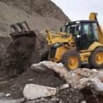 Antalya'yı Konya'ya bağlayan alternatif yayla yolu kayalarla kapatıldı