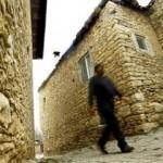 Konya'daki taş evler görenleri tarihte yolculuğa çıkarıyor