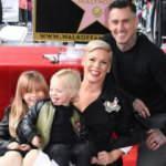 Ünlü şarkıcı Pink, oğluyla koronavirüse yakalandığını duyurdu