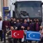 Irak Türkmenleri Türk kardeşlerini unutmadı: Halalarının hazırladığı kumanyayı ikram ettiler