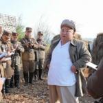 Kuzey Kore Lideri Kim Jong-Un, koronavirüse rağmen askeri tatbikata katıldı