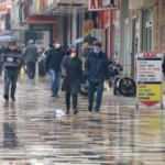 Vatandaşlar ne virüs dinledi ne yağmur