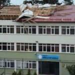 Giresun'da fırtına okulun çatısını uçurdu