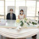 Korona günlerinde aşk! Canlı yayında nikah