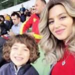 Sabri Sarıoğlu'nun oğlu pilot annesi Yağmur Sarıoğlu'nun yönlendirmesiyle uçak kullandı!
