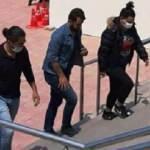 Sokakta uyuşturucu satan 2 kız tutuklandı