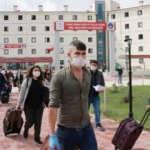 Karantina süresi dolan 270 kişi, yurttan Mehter Marşı ile uğurlandı