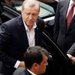 Ülke gündemine oturan tartışma: Lideriniz Erdoğan'la barışmak için yerlerde sürünüyor!