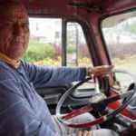 40 yıldır yol arkadaşlığı yaptığı kamyonuna gözü gibi bakıyor